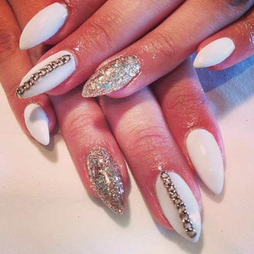 Classy White and Gold Nail Design