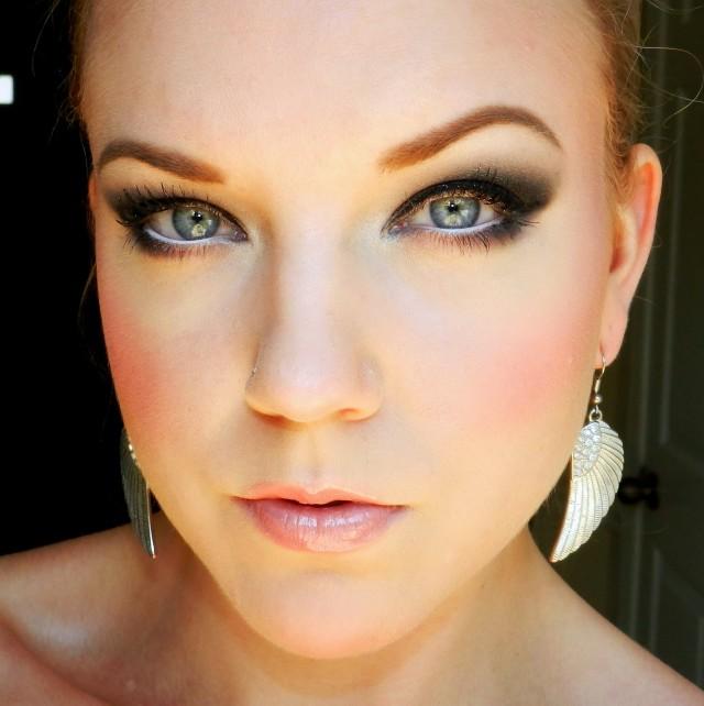 Makeup under eyes