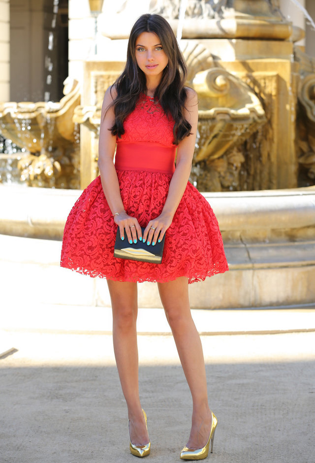 asos-red-dvf-dresses~look-main-single