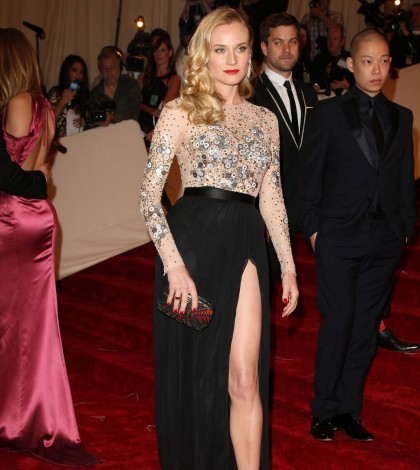 diane_kruger_thigh_high_slit_b