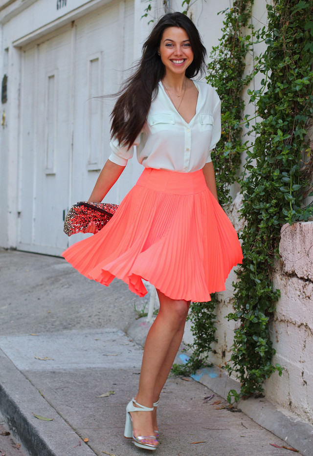 The Fashion Guide For Spring/Summer 2014 Suggests Pleated Skirts