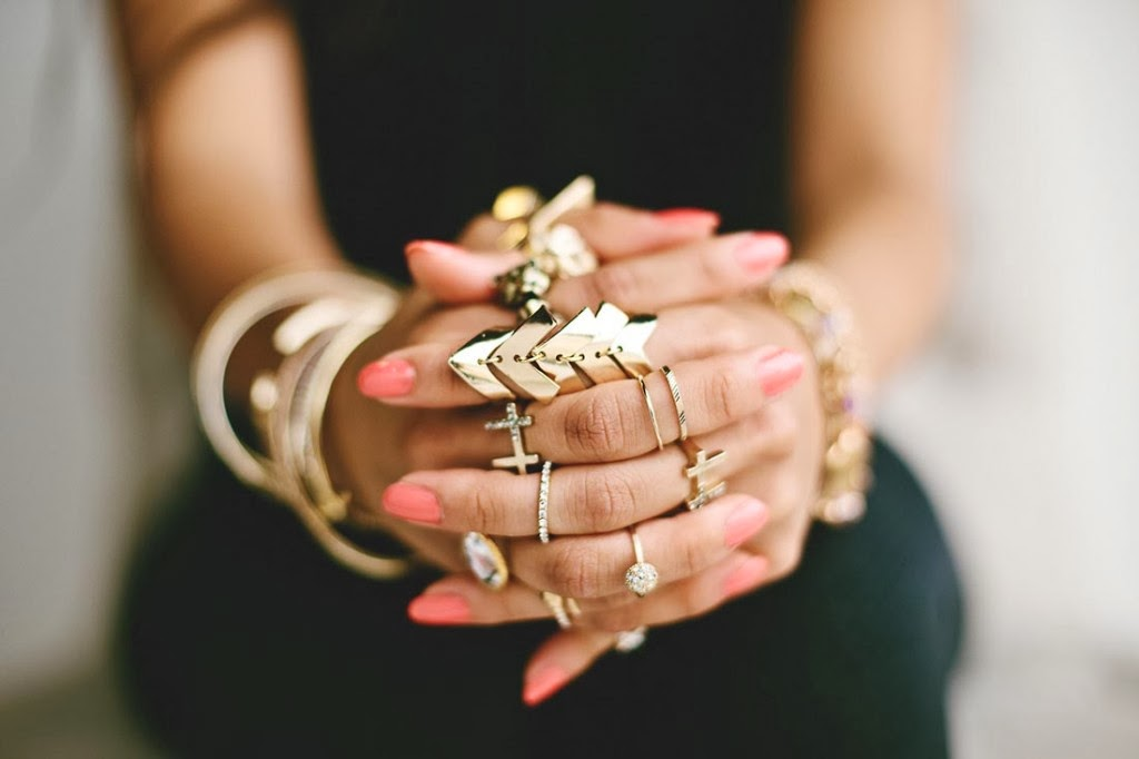 Midi Rings Show Maximum Style