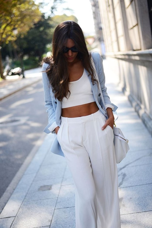 15 Comfy Outfits For A Breezy Summer Night