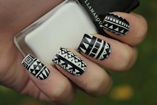Gorgeous Black and White Nail Art Designs