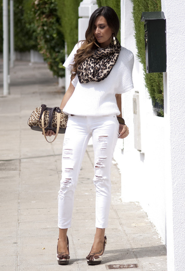 Outfit Ideas with White Jeans
