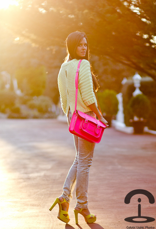 Types Of Bags Every Woman Should Own