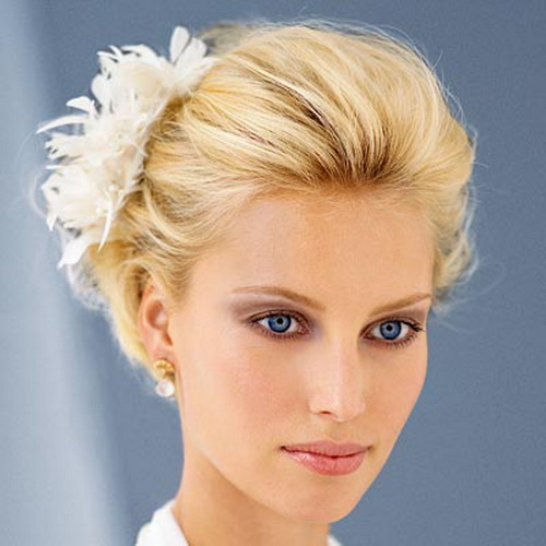 Blonde-Wedding-Hairstyles-for-Short-Hair