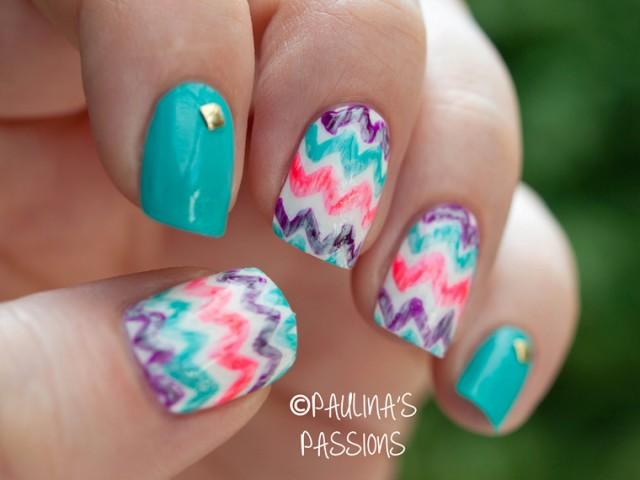 Zig-Zag Chevron Print On Your Nails