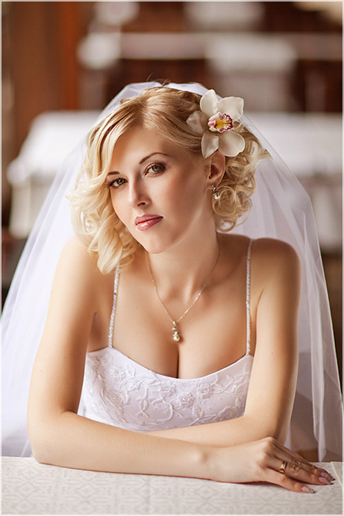 Romantic-Wedding-Hairstyles-for-Short-Hair