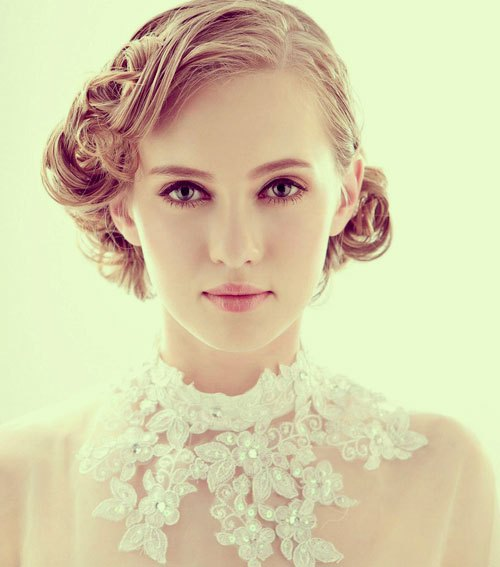 Short-curly-wedding-hair