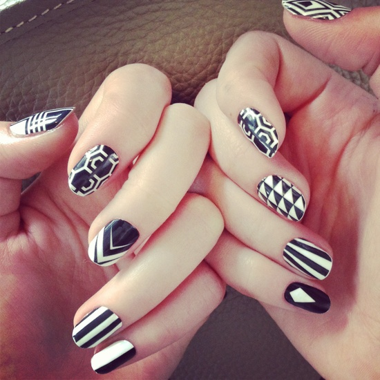 Cartoon Nail Art Black And White: The 15 Best Black And White Nail Arts