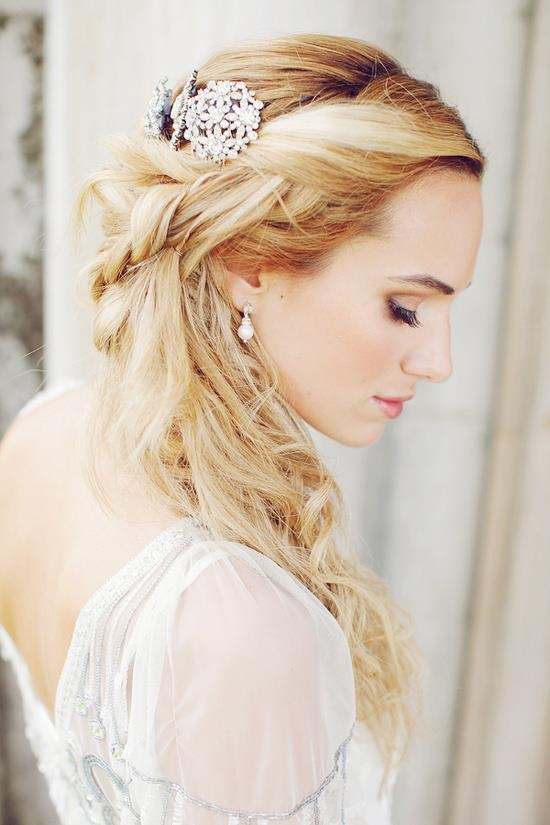 blonde-wedding-hairstyle