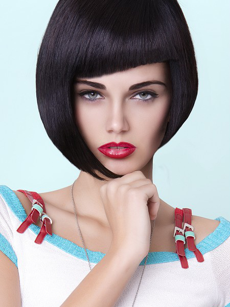gallery_big_Asymmetrical_Bob_Hairstyle_with_bangs