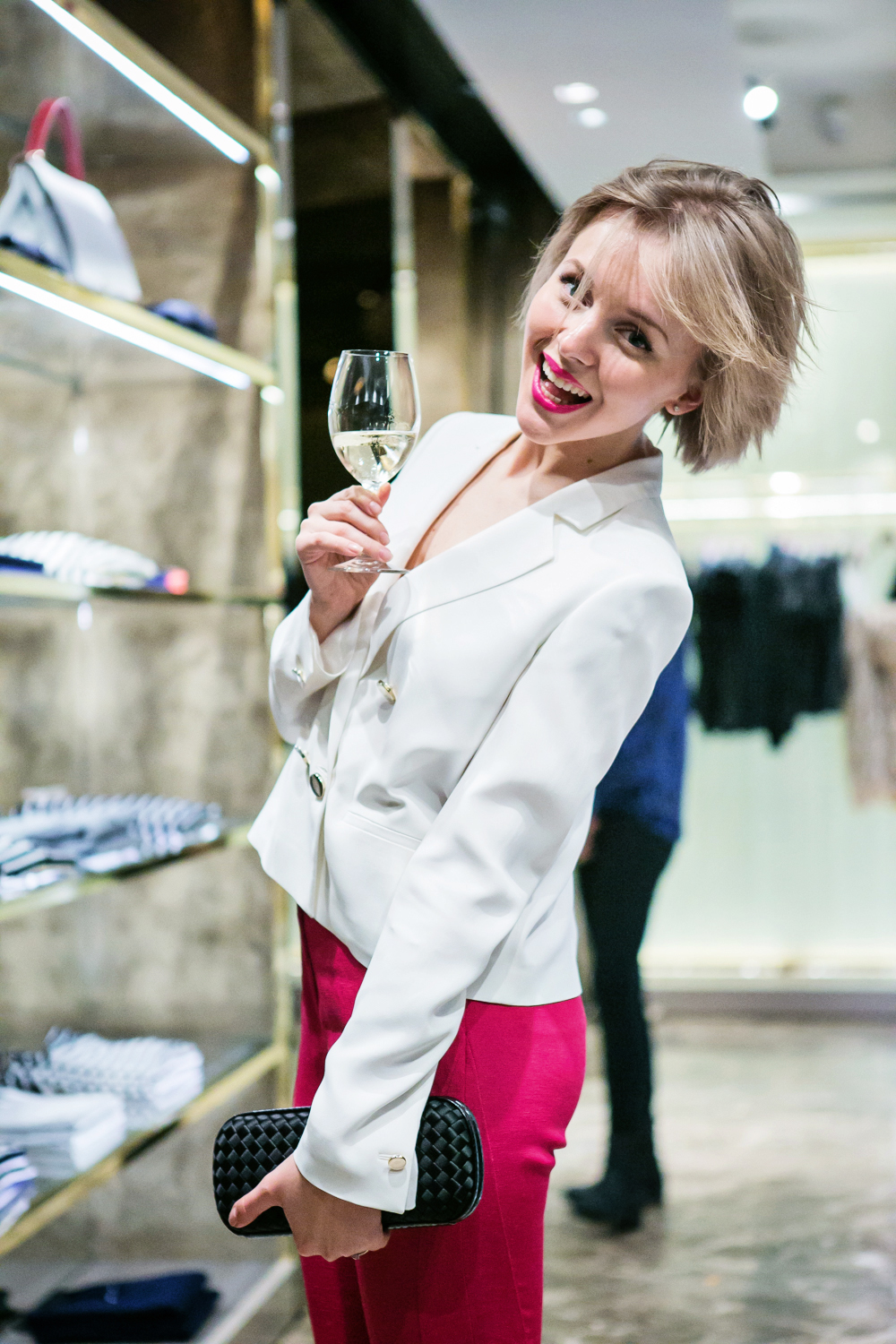 Looking Good in the Kitchen: 4 Key Kitchen Fashion Tips