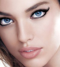 unstoppable-eyeliner_model-shot_145244