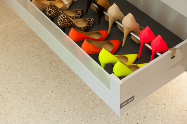 Chest-of-drawer-last-rack-for-stylish-assorted-colours-high-heels-storage-970x646