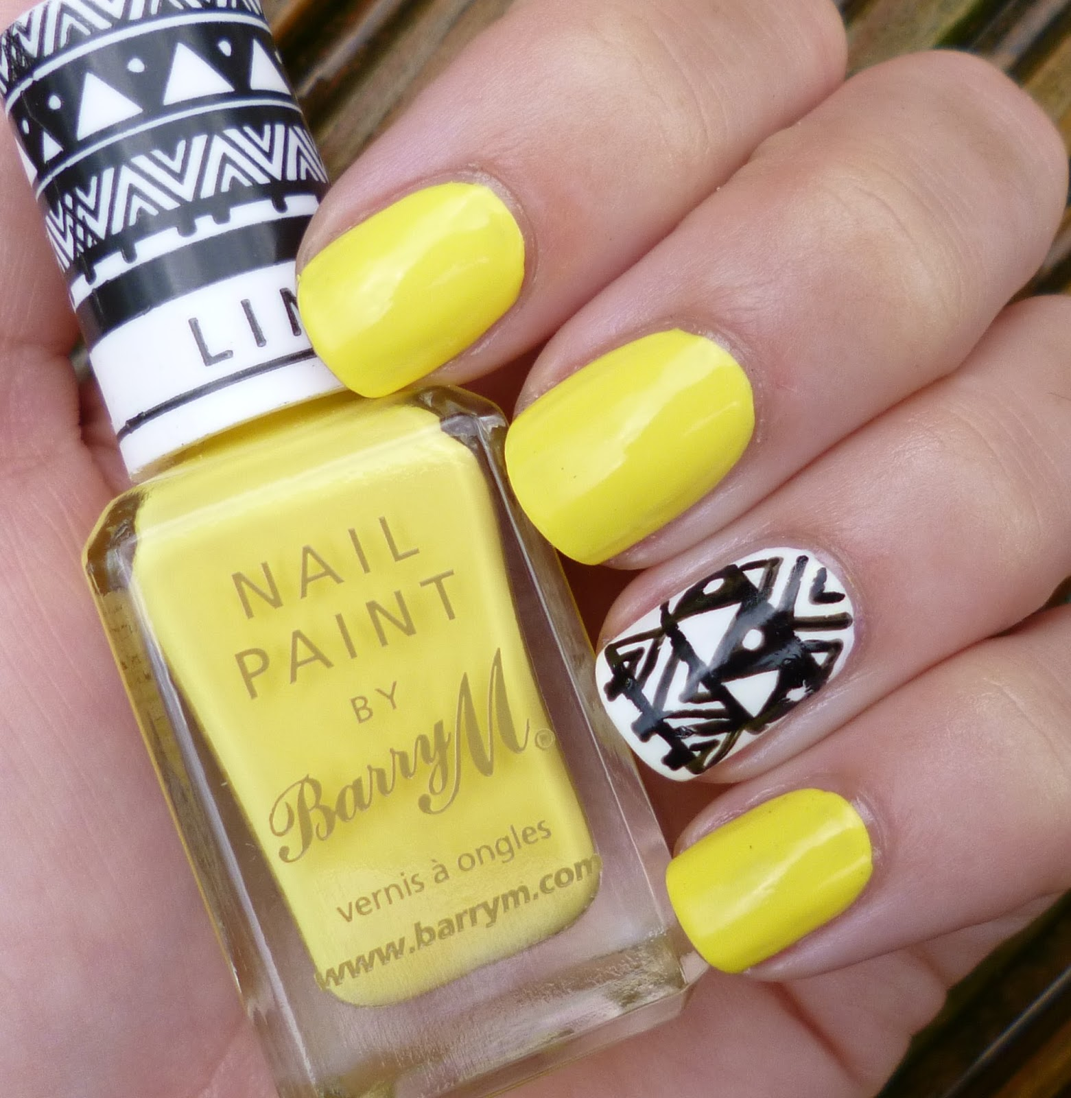 15 PRETTY YELLOW NAIL DESIGNS TO TRY THIS SUMMER