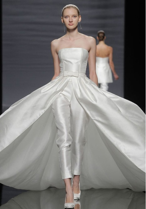 wedding-dresses-catwalk