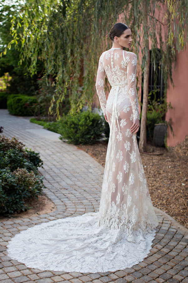 Usa fashion music news 23 gorgeous wedding dresses by for World s most beautiful wedding dress