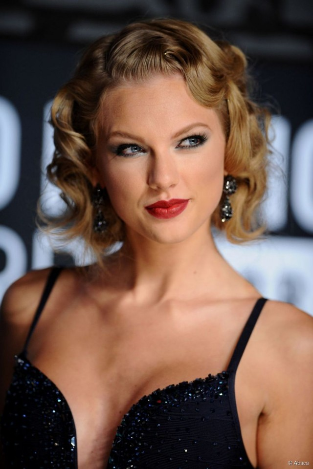 15 Glamorous Taylor Swift S Hairstyles