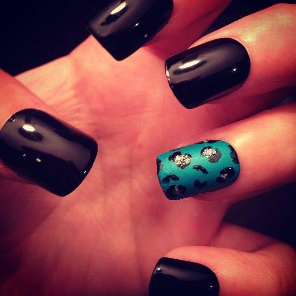 461060-nails-nails