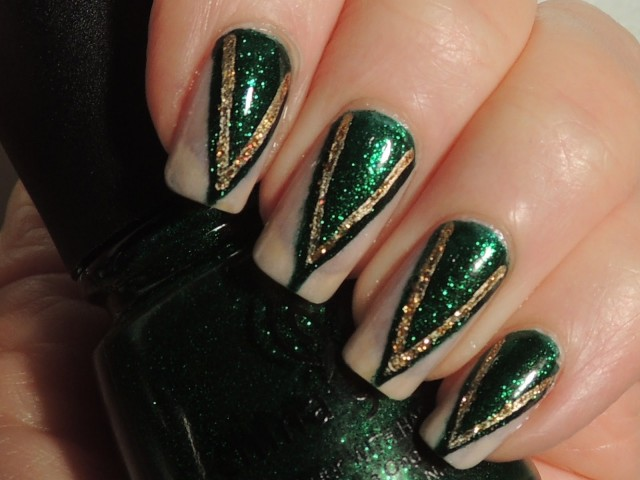 China Glaze Emeral City Oz Evanora (3)
