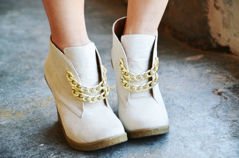 15 AMAZING DIY SHOE MAKEOVERS YOU MUST SEE