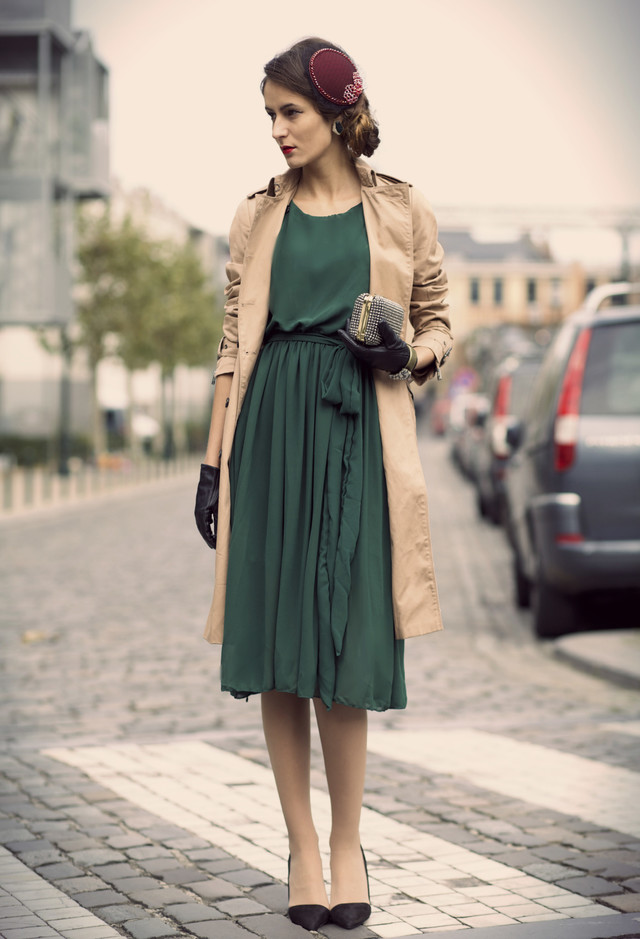 Buying and Wearing Vintage Dresses