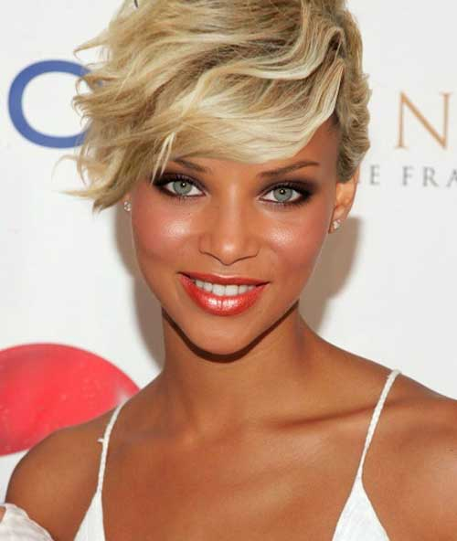Celebrity-short-hair-with-bangs