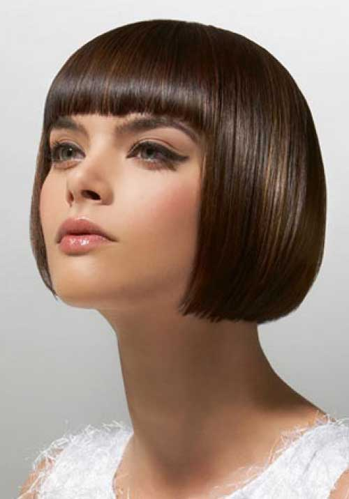 Short-hairstyles-with-blunt-bangs