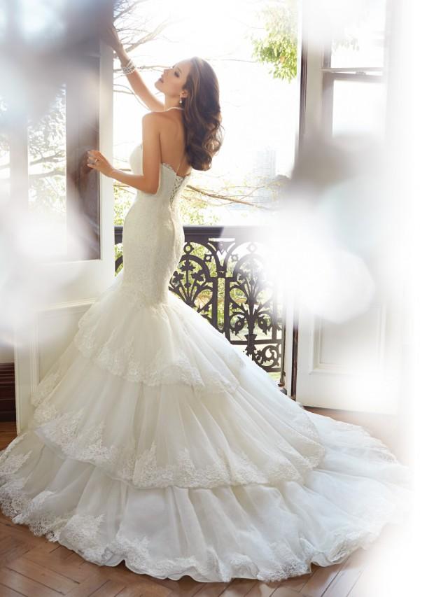 Y11567_bk_Designer-Wedding-Dresses-2015