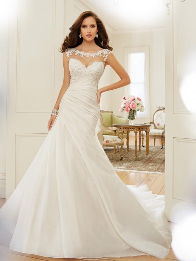 Y11568_Designer-Wedding-Dresses-2015