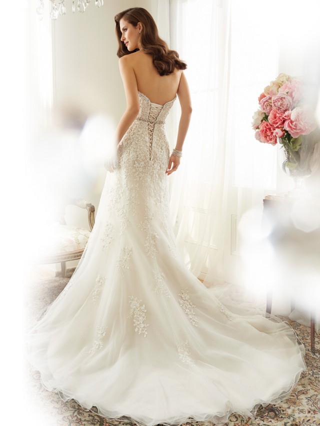 Y11575_bk_Designer-Wedding-Dresses-2015