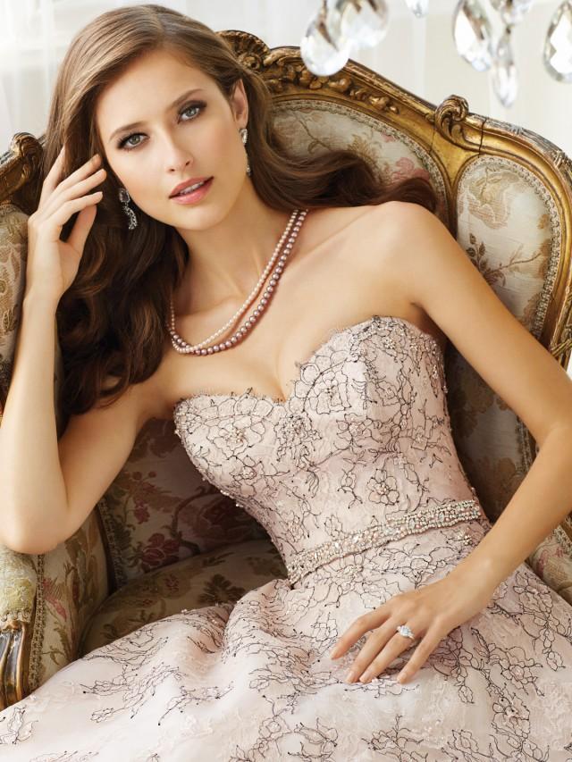 Y11576_crp_Designer-Wedding-Dresses-2015