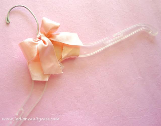 bow+hanger