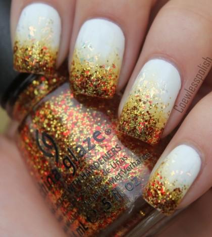 diseño-uñas-blanco-con-purpurina-dorada