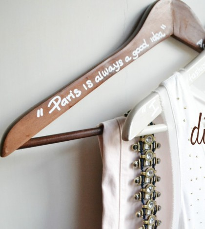 diy-printed-hanger-quotes-1