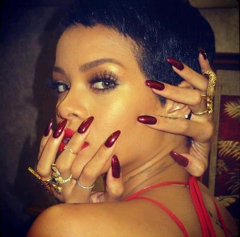 rihanna-almond-nails