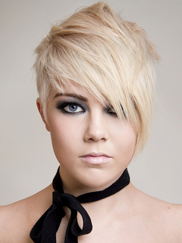 short-hairstyles-for-square-faces-2012-39