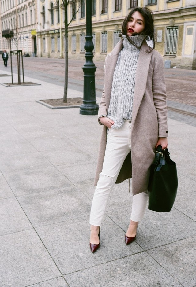 15 Modern Street Style Outfits With Turtlenecks For The Cold Season