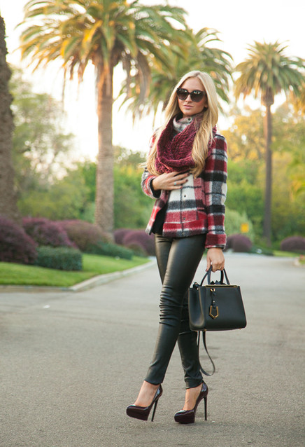 15-ways-to-wear-scarf-in-the-chilly-fall-days-always-in-trend-3~look-main-single