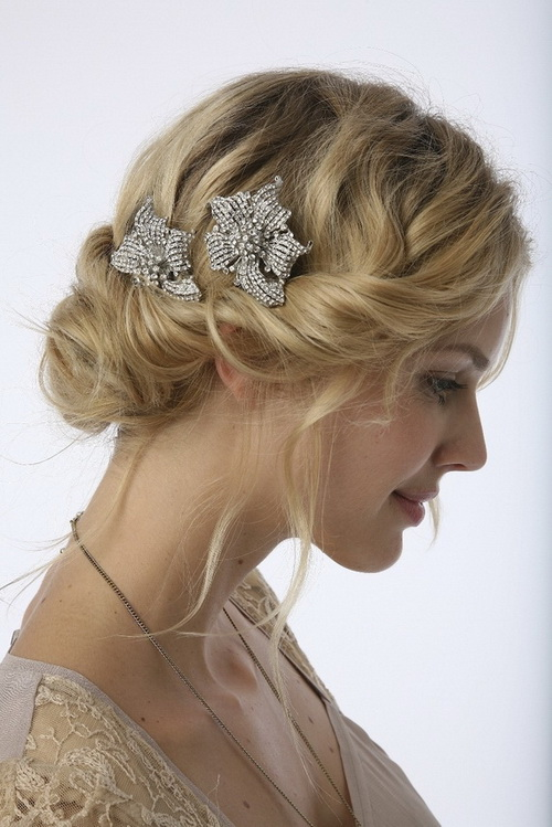 Vintage-Wedding-Hairstyles-with-Updo