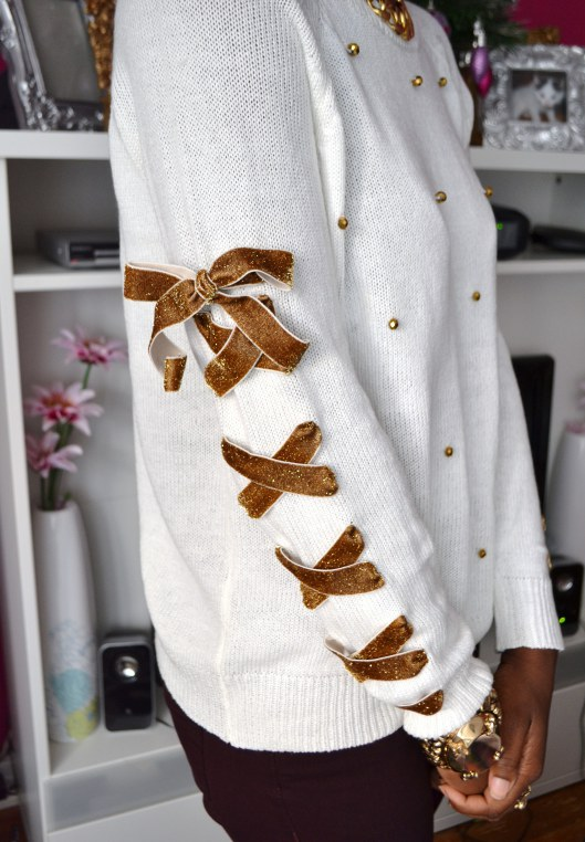 daniela-tabois-diy-lace-up-ribbon-embellish-sweater3