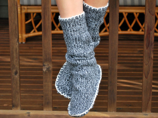 diy-sweater-slipper-socks-9-537x402