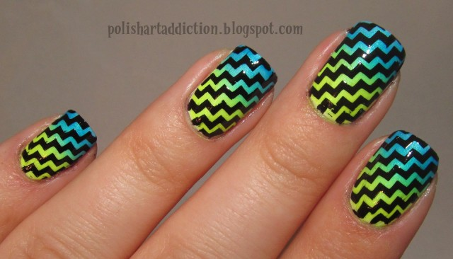 general-cool-zig-zag-pattern-nail-art-design-idea-with-gradient-neon-blue-to-green-colors-on-black-nails-background-nail-art-club