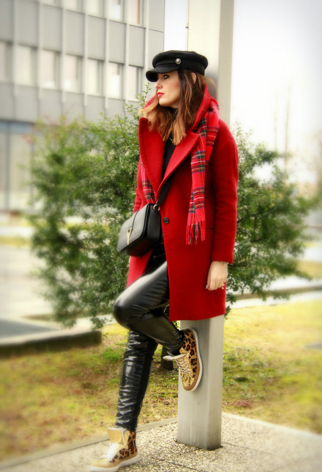 kurt-geiger-red-coats-black~look-main-single