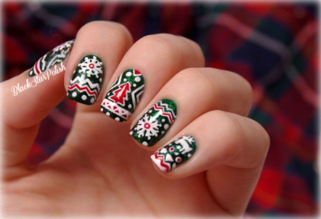 The Latest And Trendiest Christmas Nail Designs