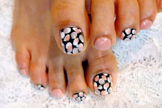 pedicure_nail_art_designs_5_thumb