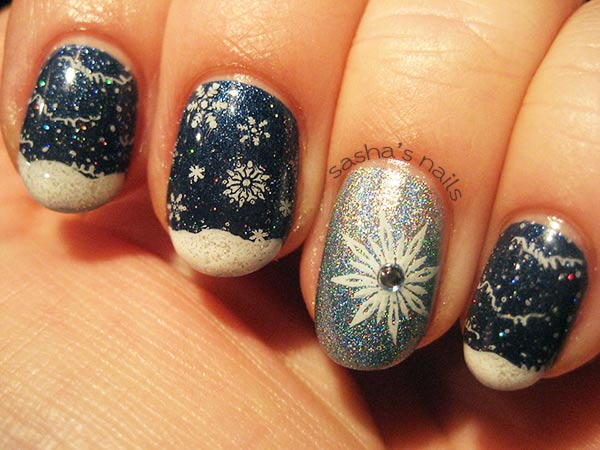 sashas-snow-snowflakes-holo-winter-nails