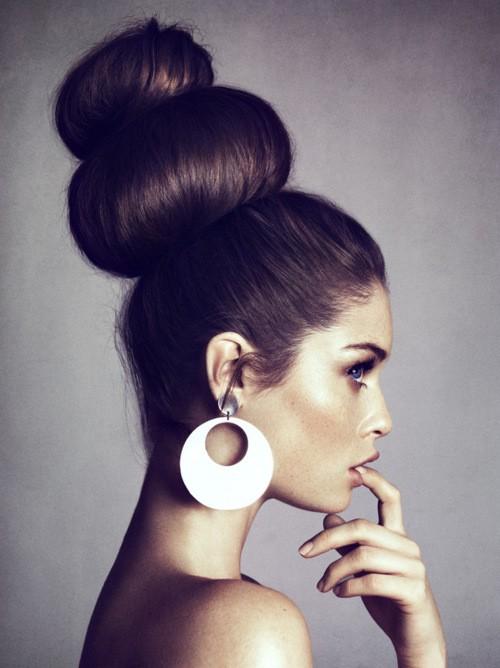 summer-wedding-hair-inspiration-top-knot-high-bun-variations-featured-image